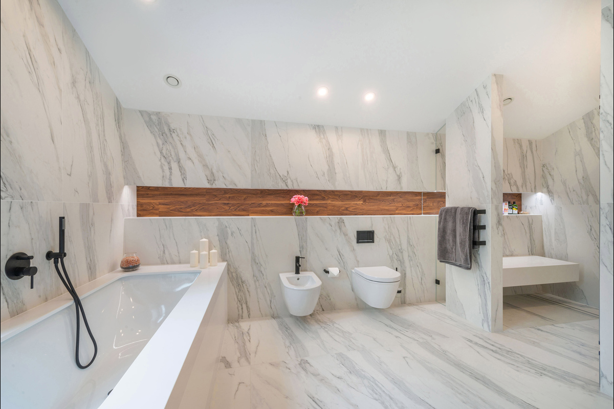 Medium bathroom 2