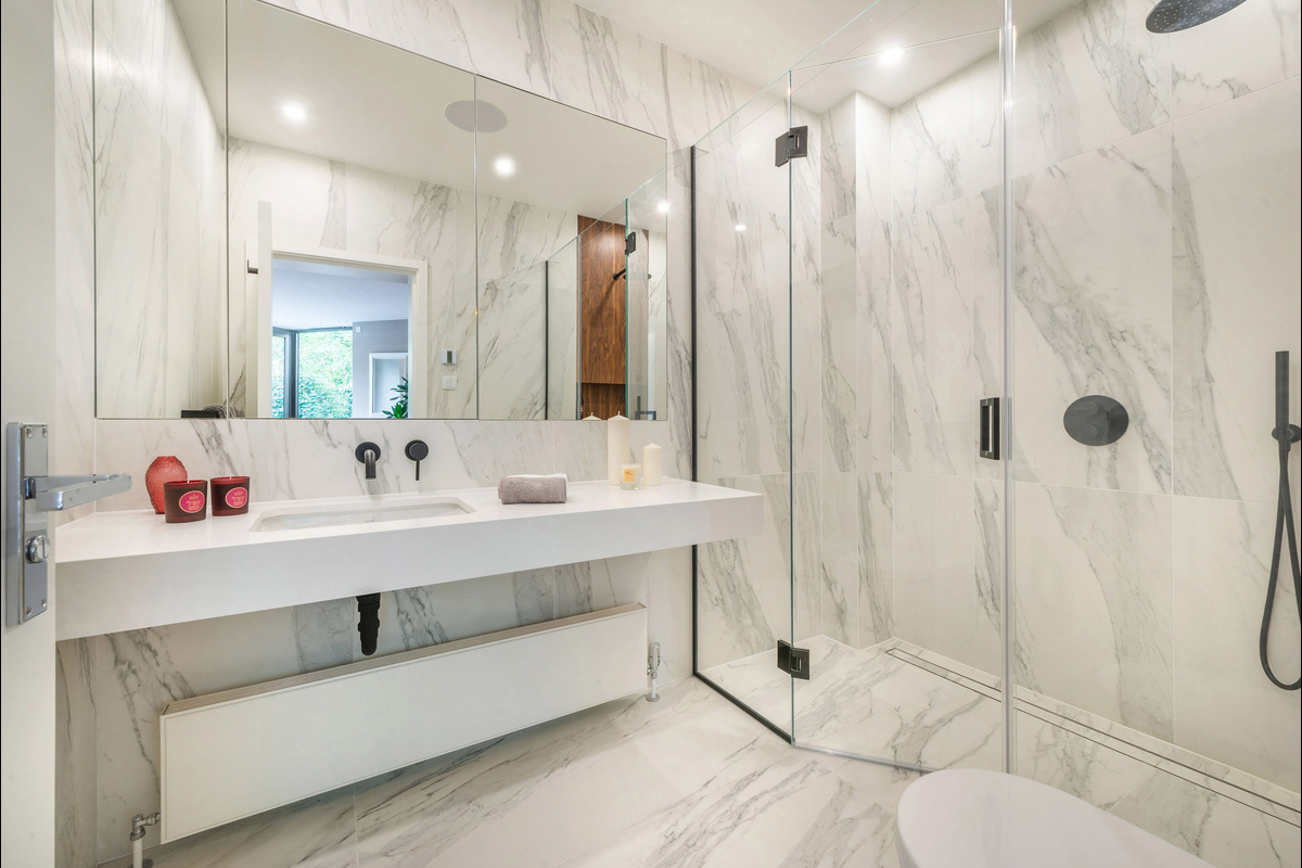 Medium bathroom 5